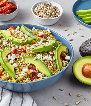EASY LENTIL & AVOCADO SALAD